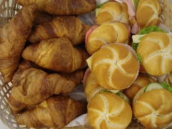 Croissant of krentenbol